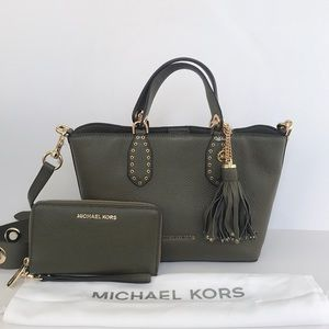 2pc Michael Kors Satchel phone wallet set olive